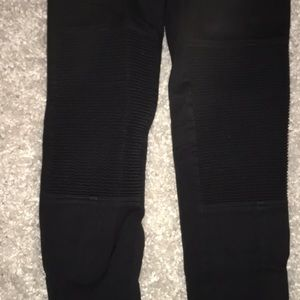 Wilfred Pants - Black high waisted pants with ankle zippers